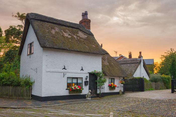 Historic Thatched Cottage, Churchtown, Southport
